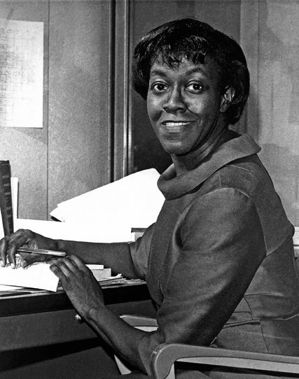 gwendolyn brooks essay This month's essay is from haki r madhubuti  his latest book is honoring  genius: gwendolyn brooks : the narrative of craft, art, kindness.