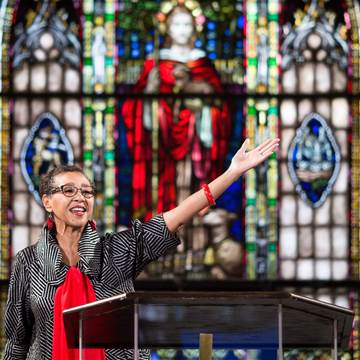 Image: Pastor Gloria White-Hammond officiates a Sunday service at Bethel AME Church
