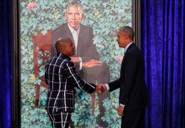 USA-OBAMA/PORTRAIT handsake Feb.12/18