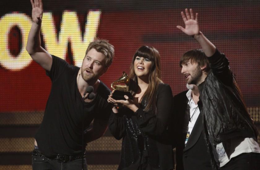 Lady Antebellum accepts a Grammy award.